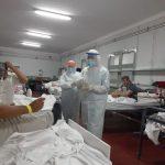 Monseñor Stanovnik visitó a los enfermos de Covid-19 en el Hospital de Campaña
